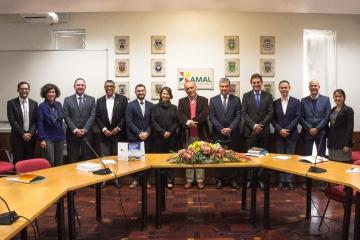 Prefeita de São Bento do Una conhece novos projetos empreendedores em Portugal