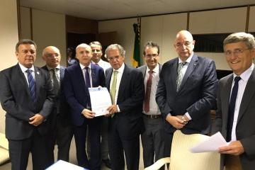 Nova previdência e pacto federativo pautam reunião com ministros da Economia e Cidadania