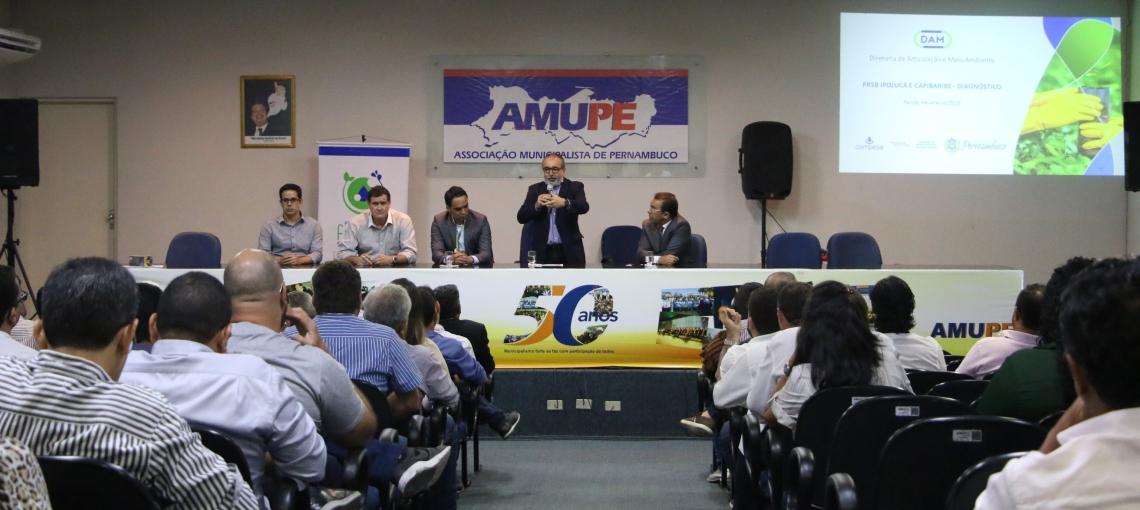 Compesa apresenta diagnósticode saneamento básico na Amupe