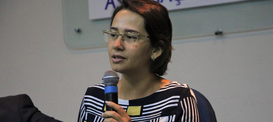 Débora Almeida e FHC ministram palestra em seminário da RAPS