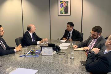 Aroldi e presidente do INSS debatem estratégias para melhorar questão previdenciária nos Municípios