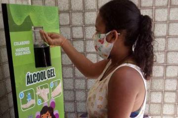 Arcoverde entrega totens de higienização para equipamentos com atendimento ao público