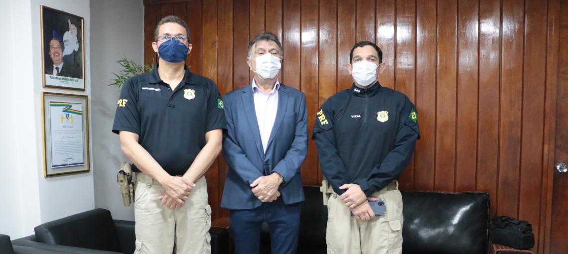 PRF realiza reunião com presidente da AMUPE em Recife
